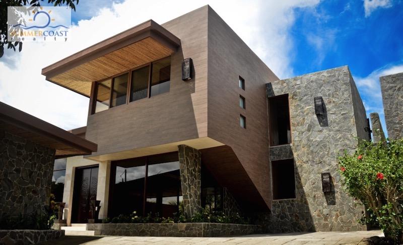 Contemporary & Eco-Friendly Beachfront Home