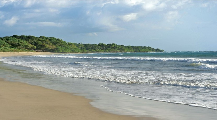 playa-langosta_hacienda-club-830x460-1