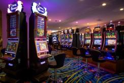 crocs casino2