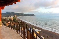 luxury beachfront condos costa rica