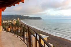 luxury beachfront condos costa rica