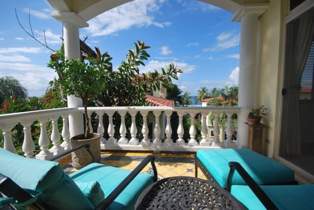 3 bedrooms 2 baths – Ocean View Condo in Jaco Beach Village