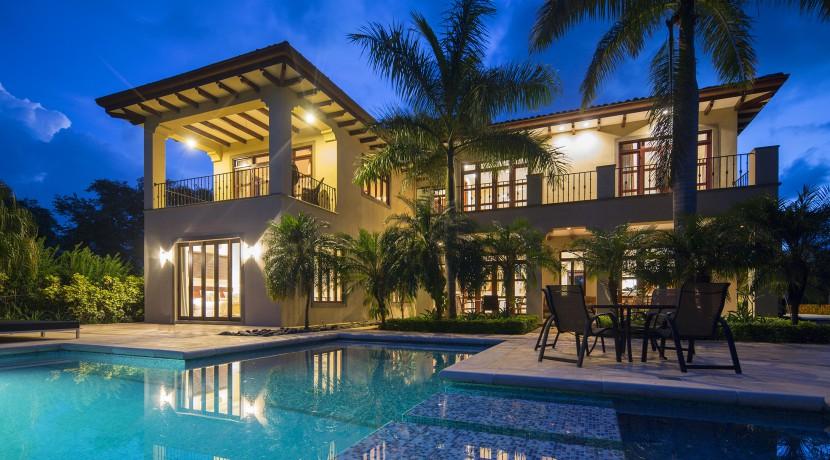 luxury home in hacienda pinlla
