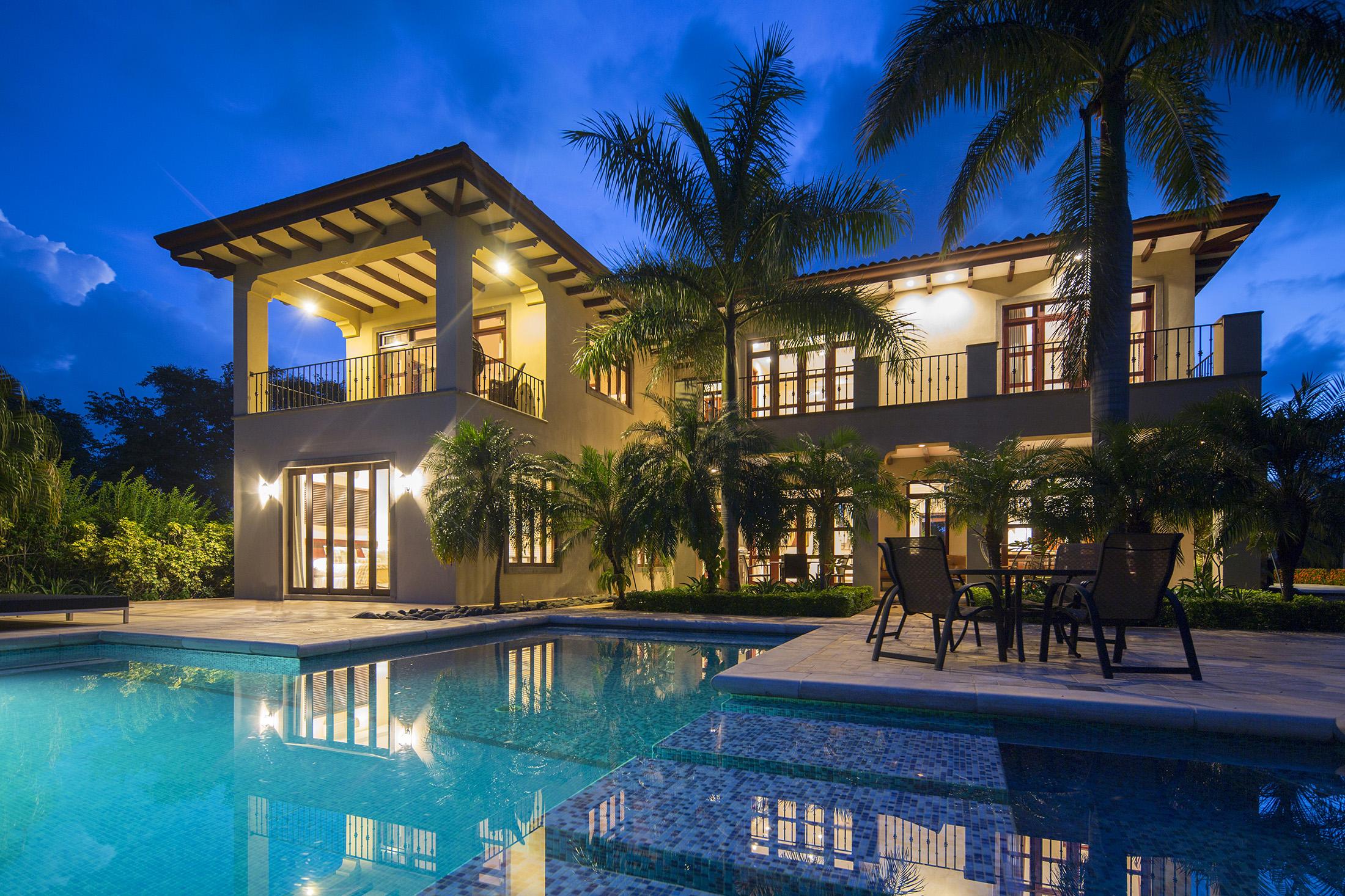 Luxury home in hacienda pinlla costa rica real estate for Luxury homes for sale in costa rica