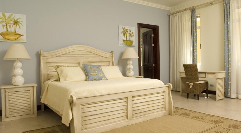 1st-floor-bedroom-King