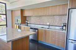 6 - Perla 6-1 kitchen
