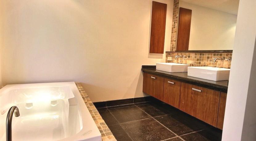7-Perla 3-1 master bath tub