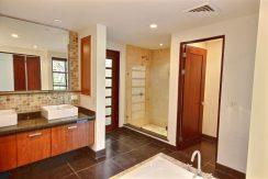 7-Perla 6-1 master bathroom