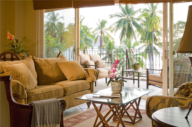 Bay Residence 10B – Luxurious Ocean Front Condo w/ sunset view, 3 bedroom 2 baths.