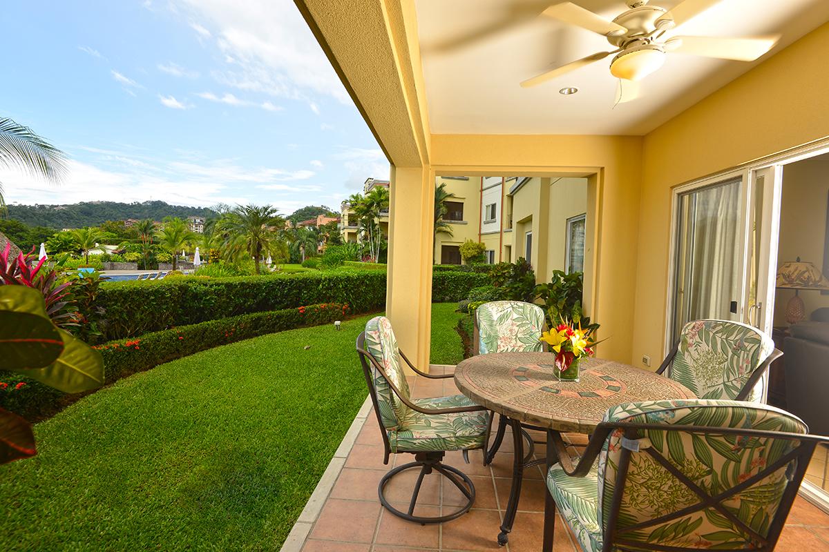 Del Mar 4M – Ground floor condo close to pool, with patio and garden, 3 bedrooms 3 baths.