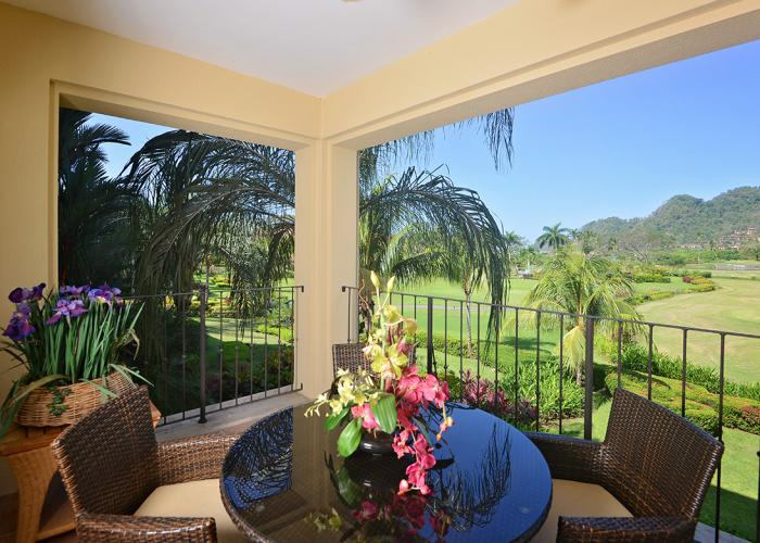 Del Mar 4J – Family friendly condo close to pool, golf course view, 3 bedrooms 2 baths.
