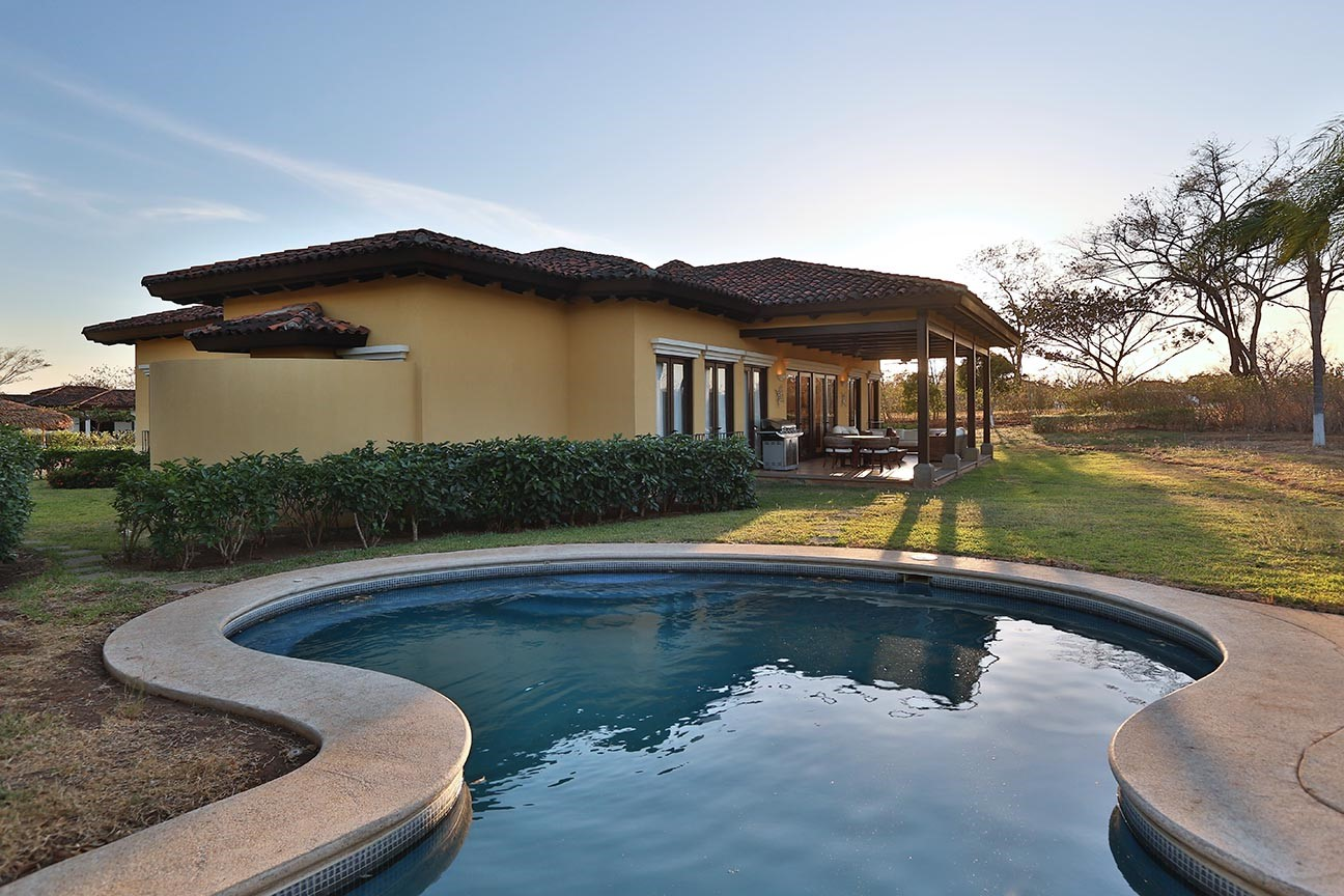 Flor Blanca Luxury Home-with Private Pool and 2 car garage-located at Hacienda Pinilla