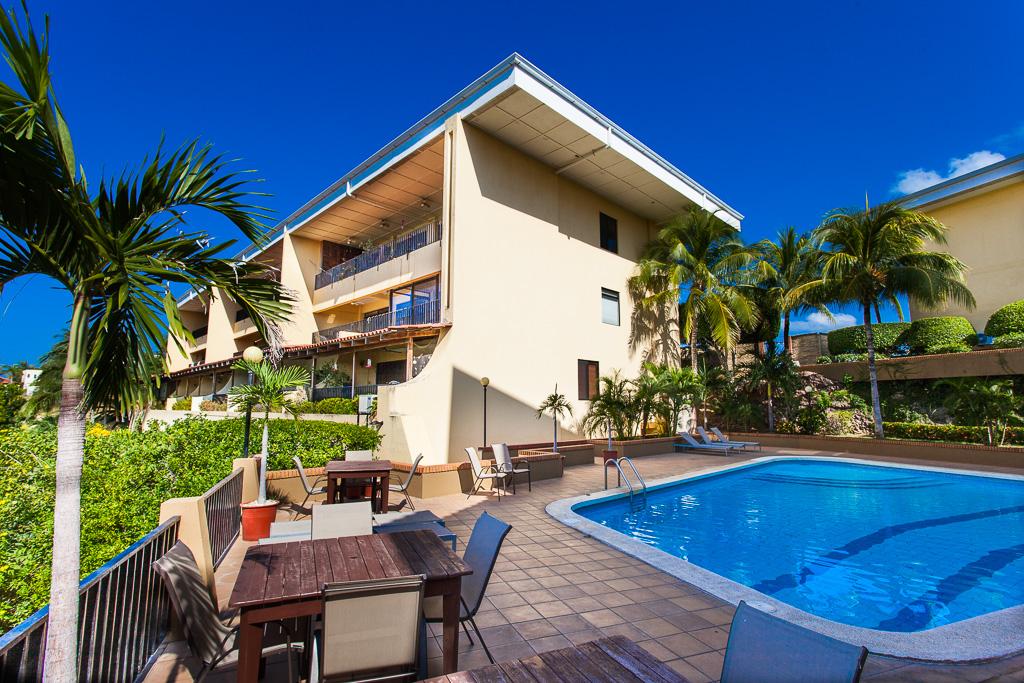 Presidential Suites 11: 3 Bed / 2 Bath Ocean View Condo in the Heart of Flamingo