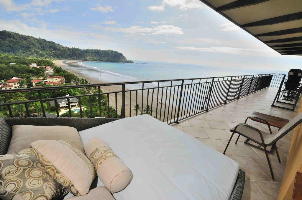 Exclusive 2-bedroom Condo on the beach at Vista Las Palmas – Jaco