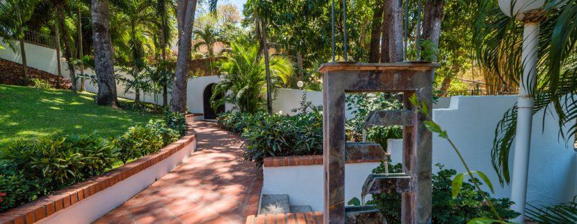 02_KRAIN_Villa Christopher _ Beachfront _ Playa Flamingo.jpg