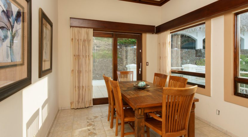 05 Pura Vida Villa Dining Room