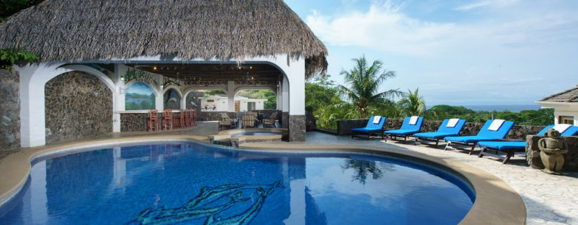 19 Pura Vida Villa Beautiful Pool and Rancho