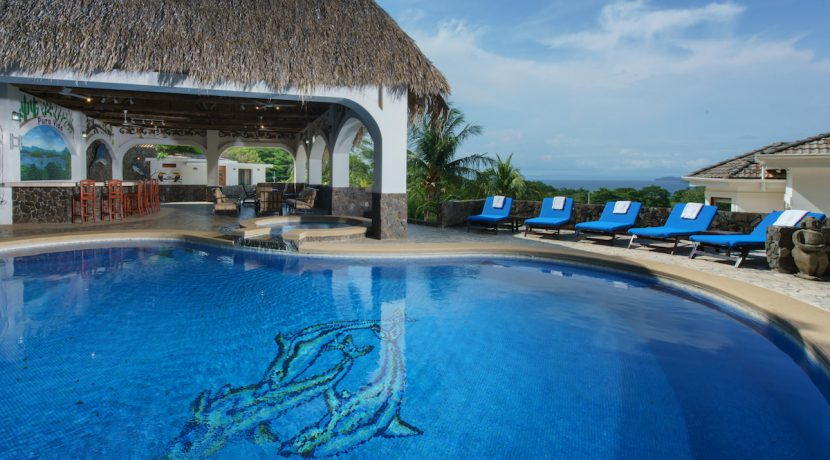 27 Pura Vida Villa Oversized Pool and Rancho
