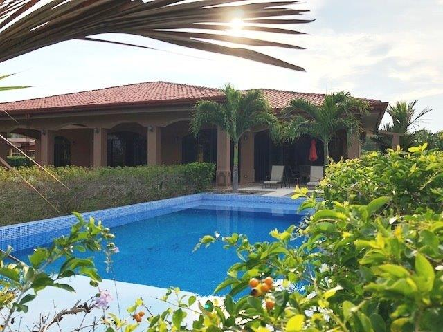 Perfect Family Home with Pool at Esterillos!