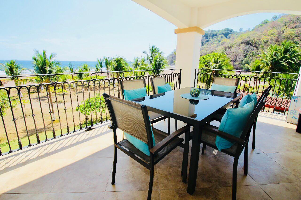 Tres Regalos Luxury Condo Located at The North End of Jaco Beach