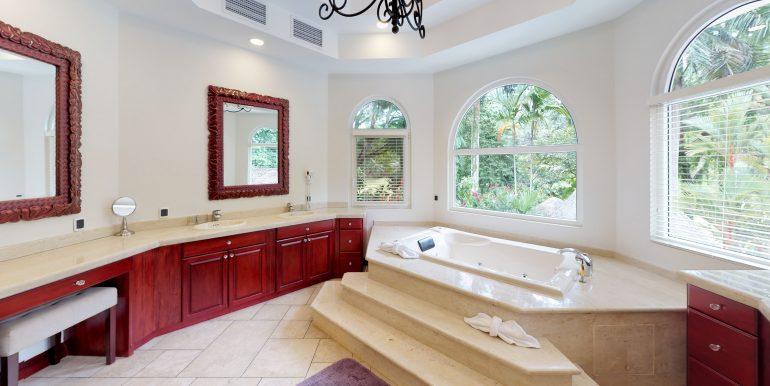 Casa-Harmon-copy-Bathroom