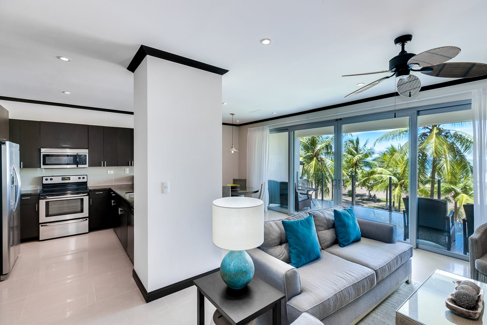 Diamante del Sol 2 Bedroom 2.5 Bathroom Ocean View Condo-REMODELED