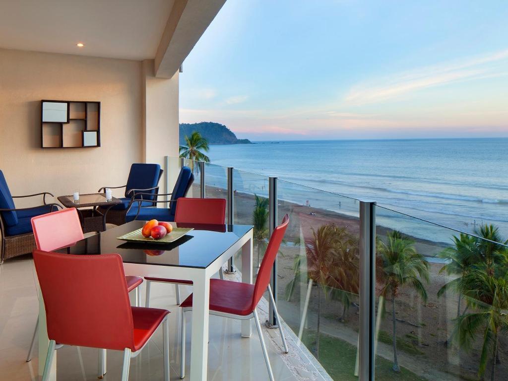 3 bedroom Ocean Front Condo- Diamante del Sol- Great location-Spectacular View