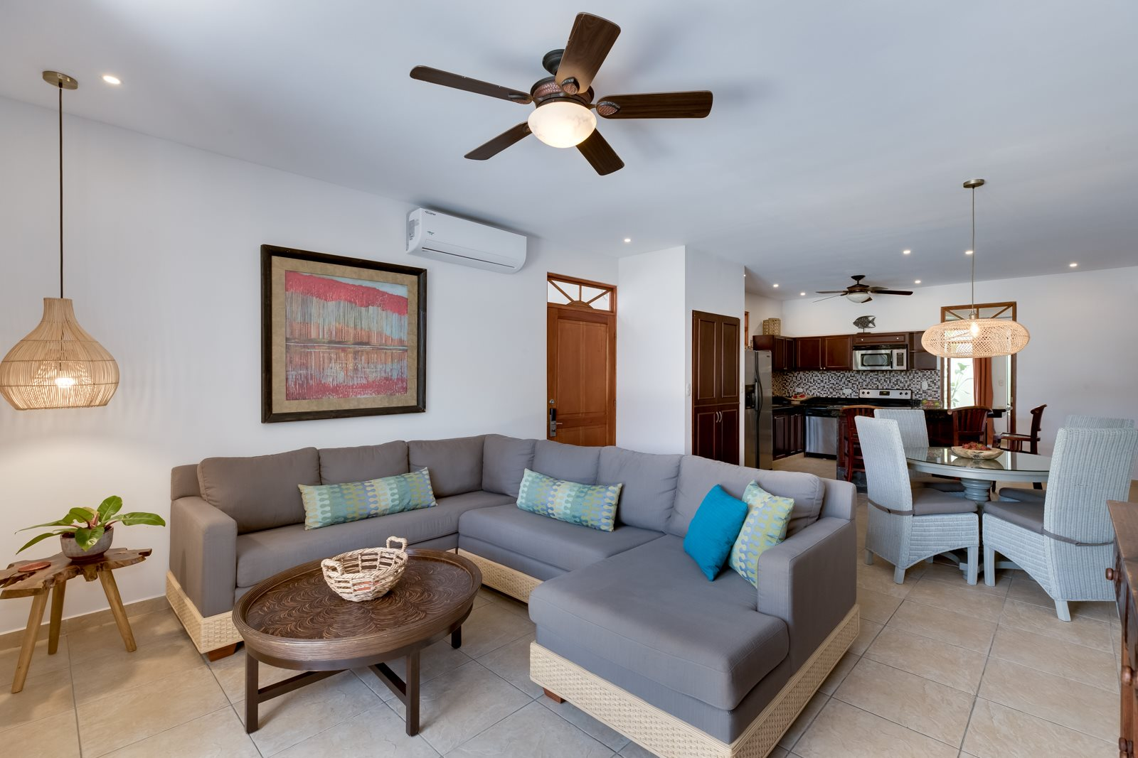 Paloma Blanca 3 Bedroom 3 Bath Condo with Financing! Furnished and Turn Key