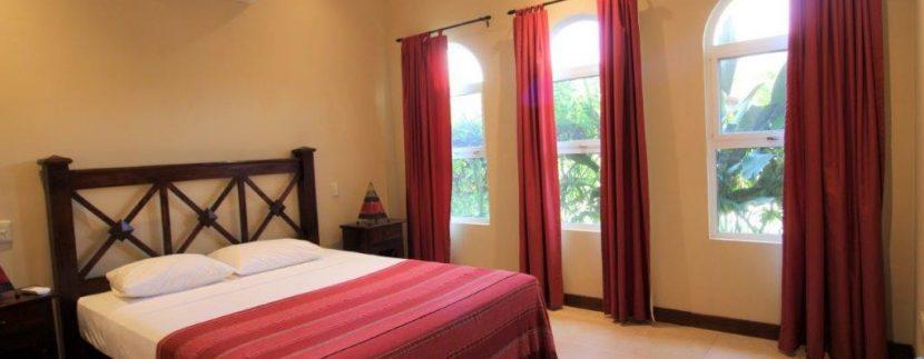 Beach-House-Costa-Rica-Playa-Bejuco-room