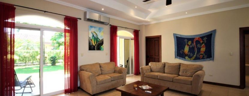 Beach-House-Costa-Rica-living-room