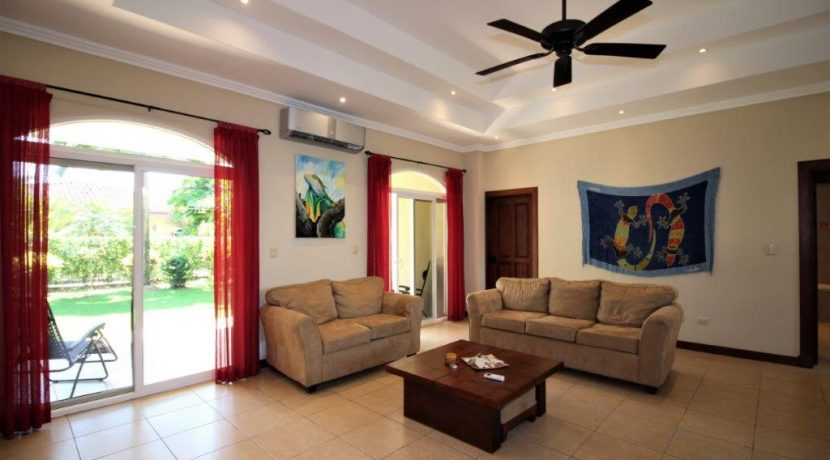 Beach-House-Costa-Rica-living-room