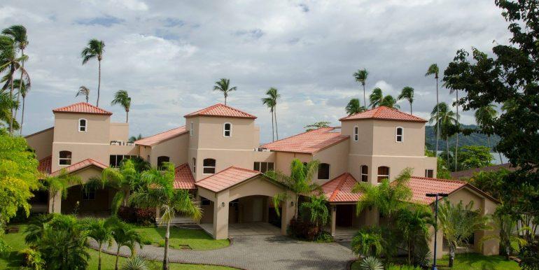Beachfront Homes (12)