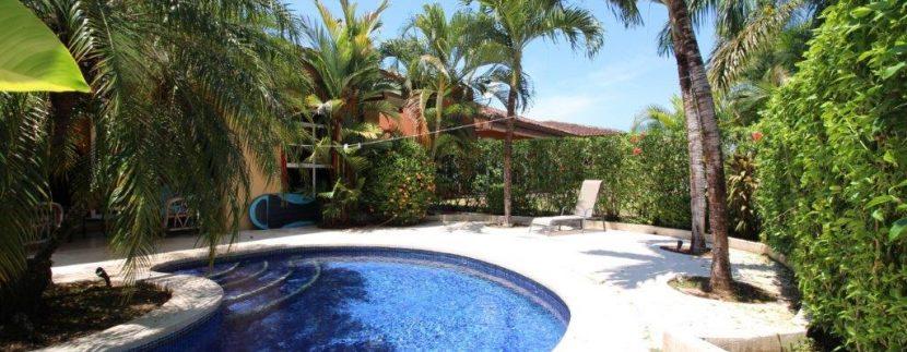 Costa-Rica-Beach-Home-and-garden-area