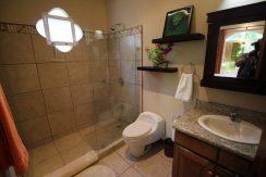 Costa-Rica-Beach-Home-bathroom-2