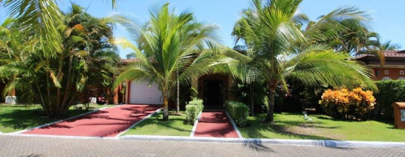Costa-Rica-Beach-Home-for-sale-curb-appeal
