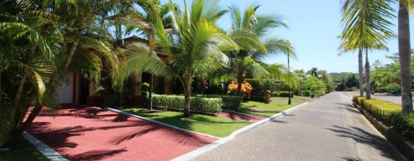 Costa-Rica-Beach-Home-for-sale-from-street