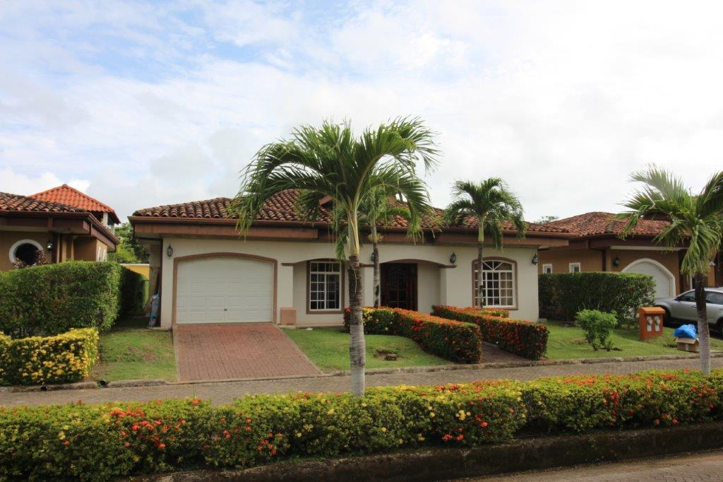 Firesale Beach House-  3 Bedroom In Gated Community Walking Distance To The Beach
