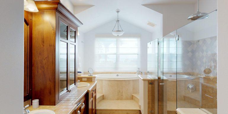 Villa-Tranquila-Master-Bathroom
