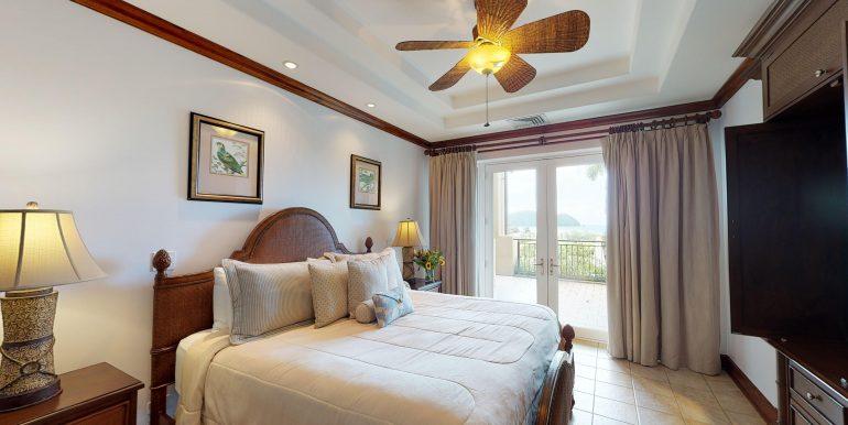 Villa-Tranquila-Master-Bedroom