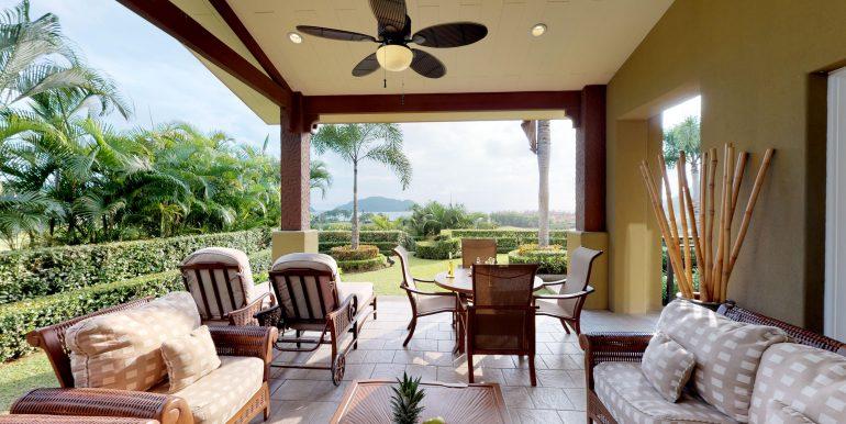 Villa-Tranquila-Terrace-Lounge