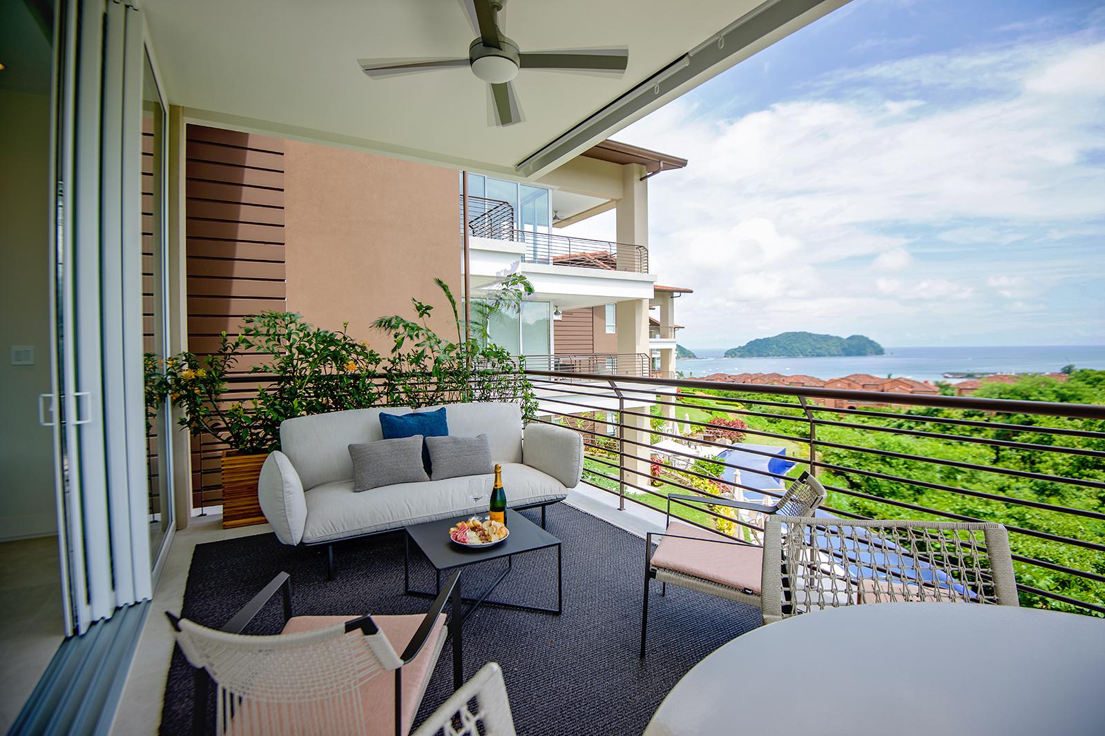 Montecielo 1C – Modern Luxury with ocean view.