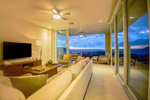 Livingroom_twilightweb