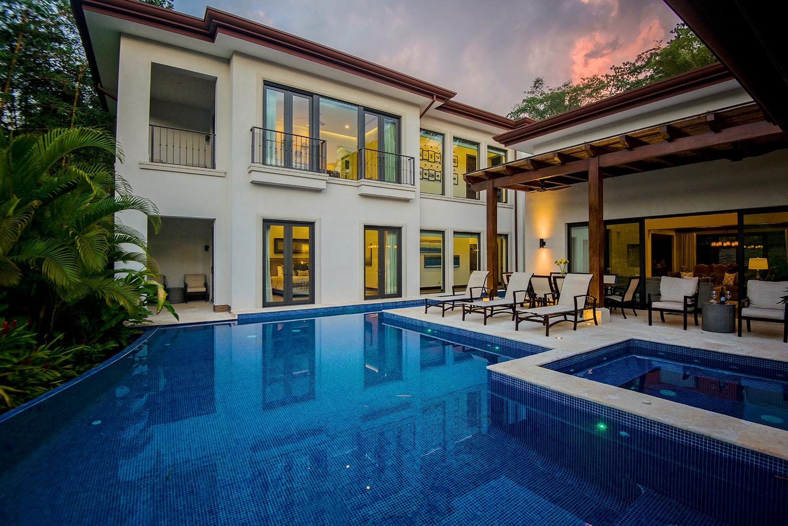Casa Mainline