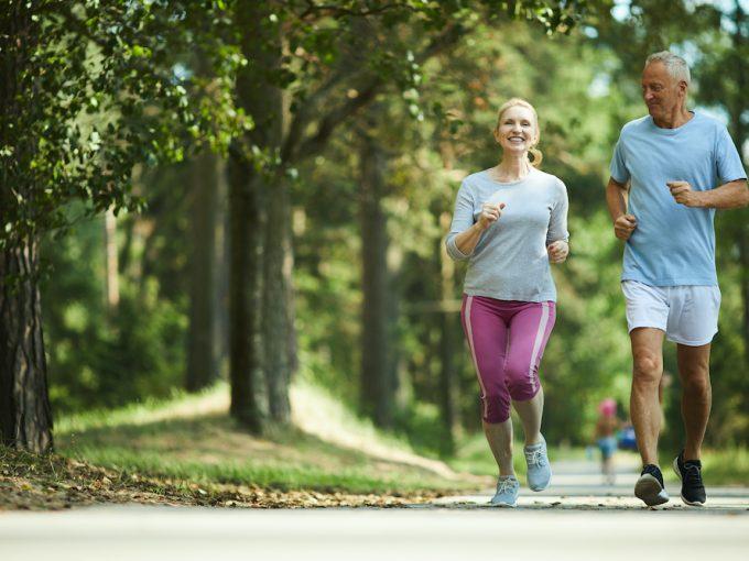 retired couple jogging in Los Sueños