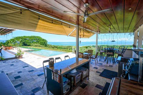Outside Lounge3
